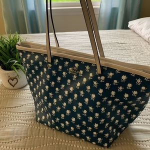 Coach Tote navy and white floral